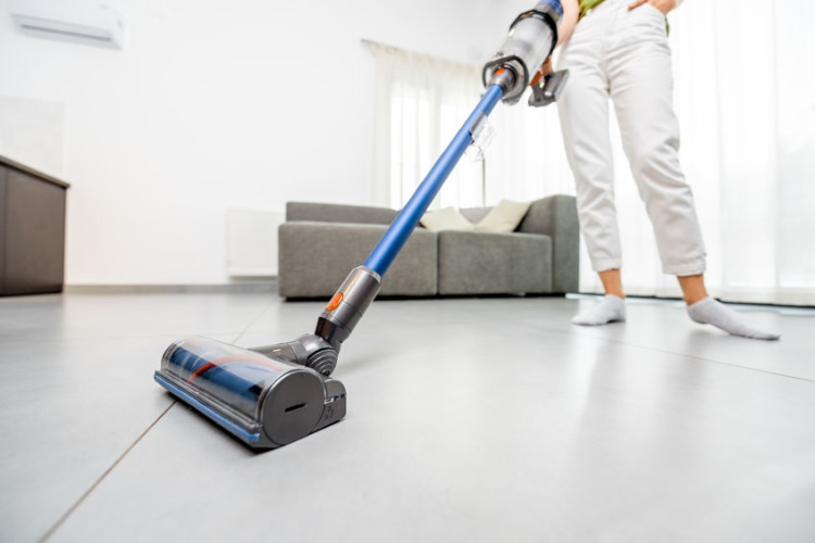 8 Best Vacuum Cleaners For Tile Floors